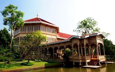 cung điện màu hè